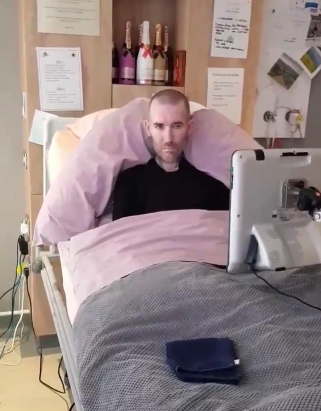 Fernando Ricksen verblijft in een hospice in Schotland. Foto: twitter